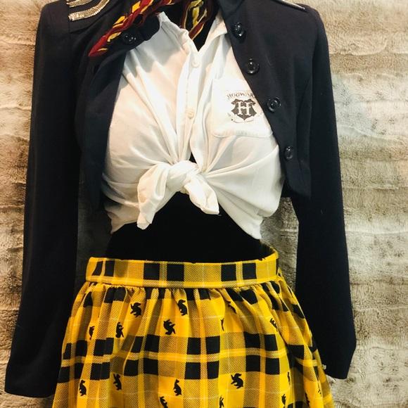 752fe31fe2 Hot Topic Dresses & Skirts - 🦄FLASH SALE 2/$75 Hufflepuff Plaid mini skirt